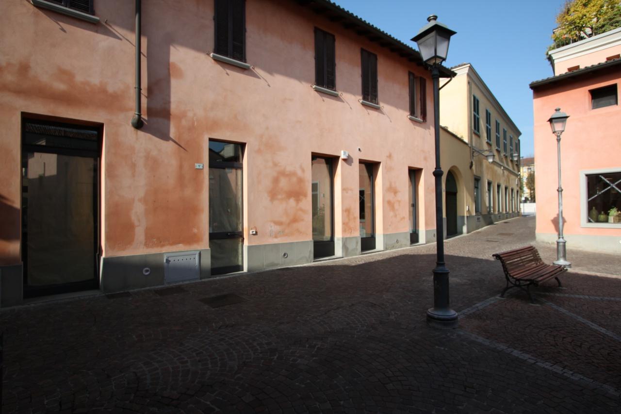 Negozio / Locale in affitto a Treviglio, 1 locali, prezzo € 1.500 | CambioCasa.it