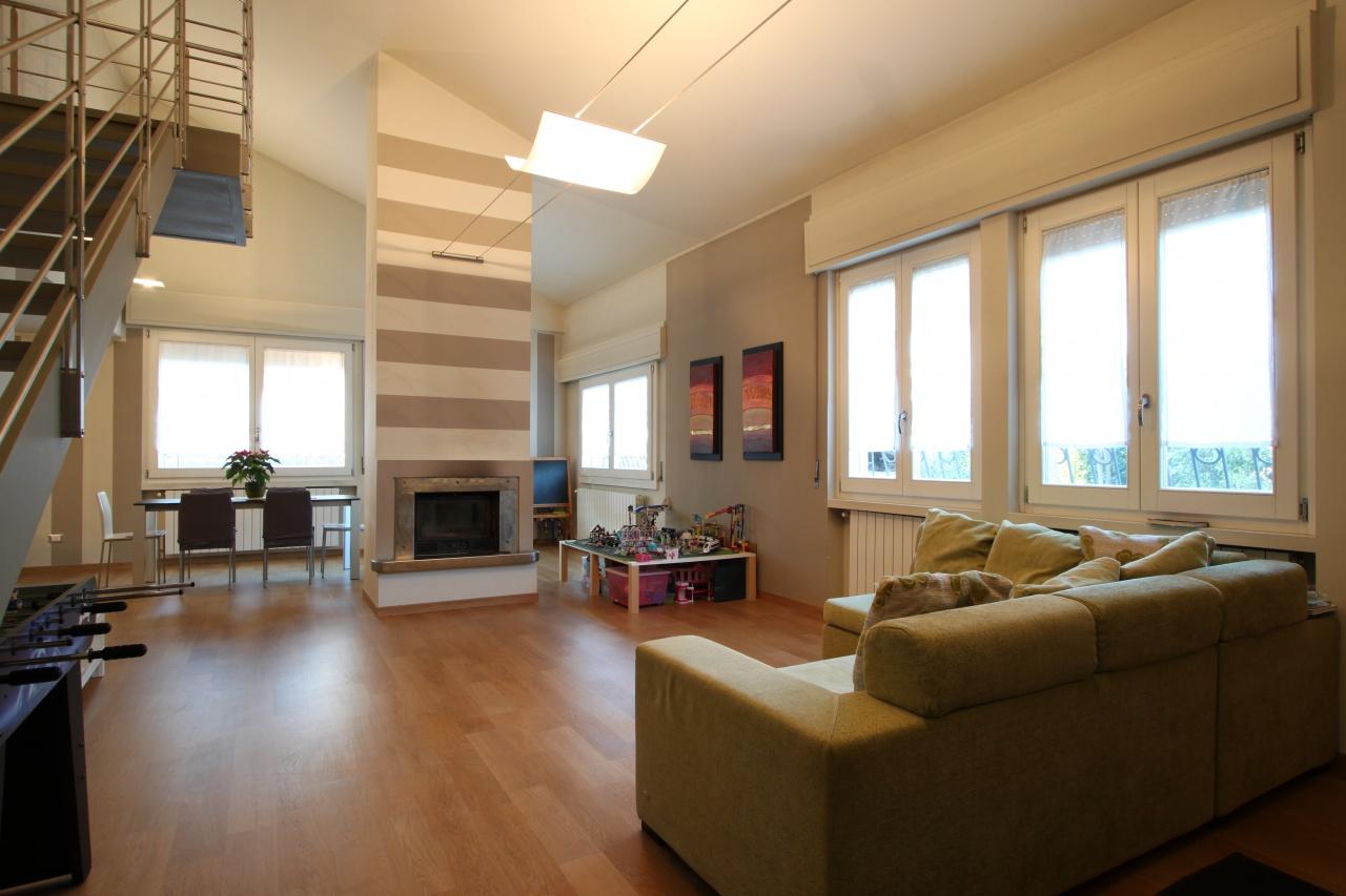 Casa Indipendente in buone condizioni in vendita Rif. 12119313