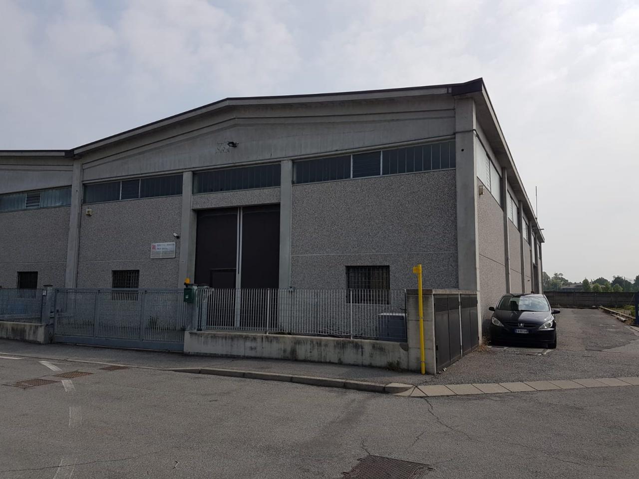 Capannone in vendita a Isso, 2 locali, prezzo € 235.000 | CambioCasa.it