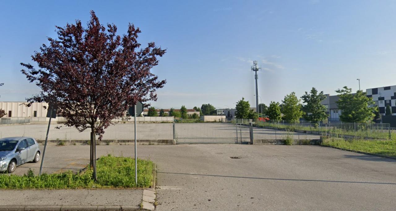 Terreno Edificabile Comm.le/Ind.le in vendita a Brignano Gera d'Adda, 1 locali, prezzo € 500.000 | PortaleAgenzieImmobiliari.it