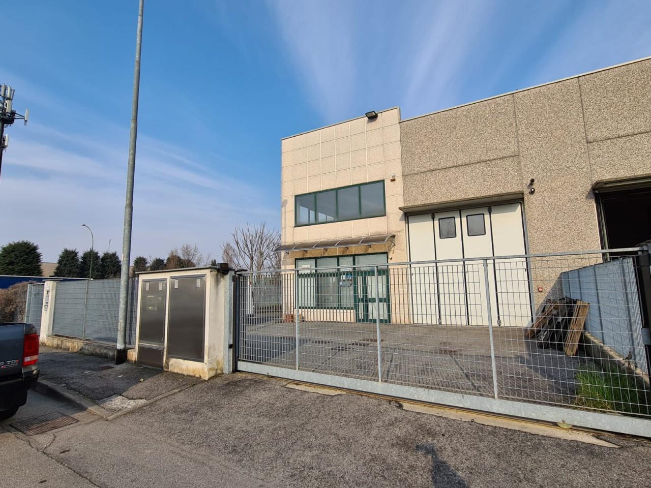 Capannone in vendita a Brignano Gera d'Adda, 4 locali, prezzo € 240.000 | PortaleAgenzieImmobiliari.it