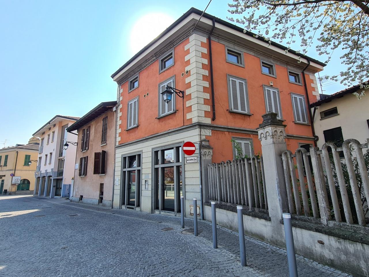 Ufficio / Studio in vendita a Treviglio, 10 locali, prezzo € 635.000 | PortaleAgenzieImmobiliari.it