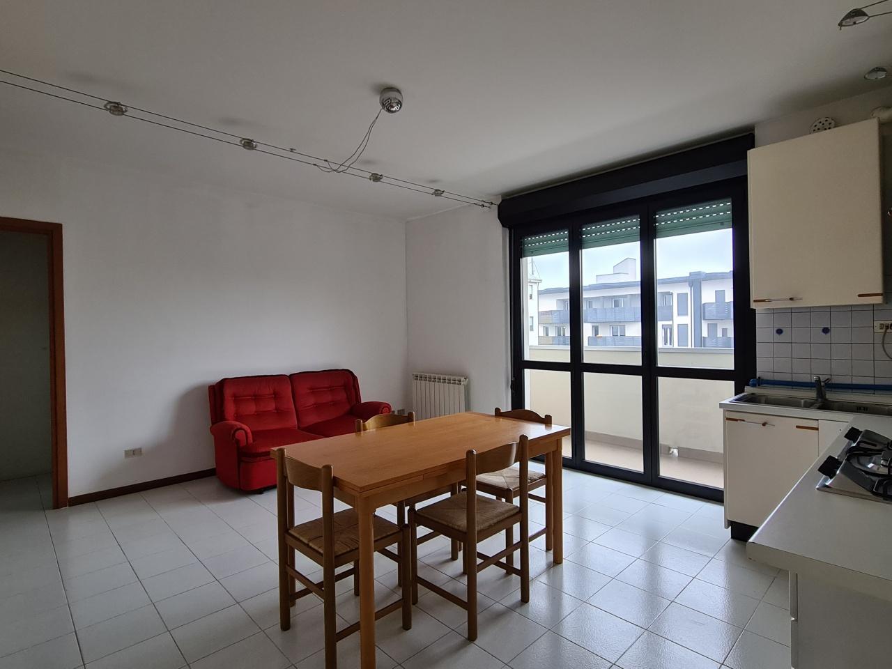 Appartamento in vendita a Treviglio, 2 locali, prezzo € 105.000   CambioCasa.it