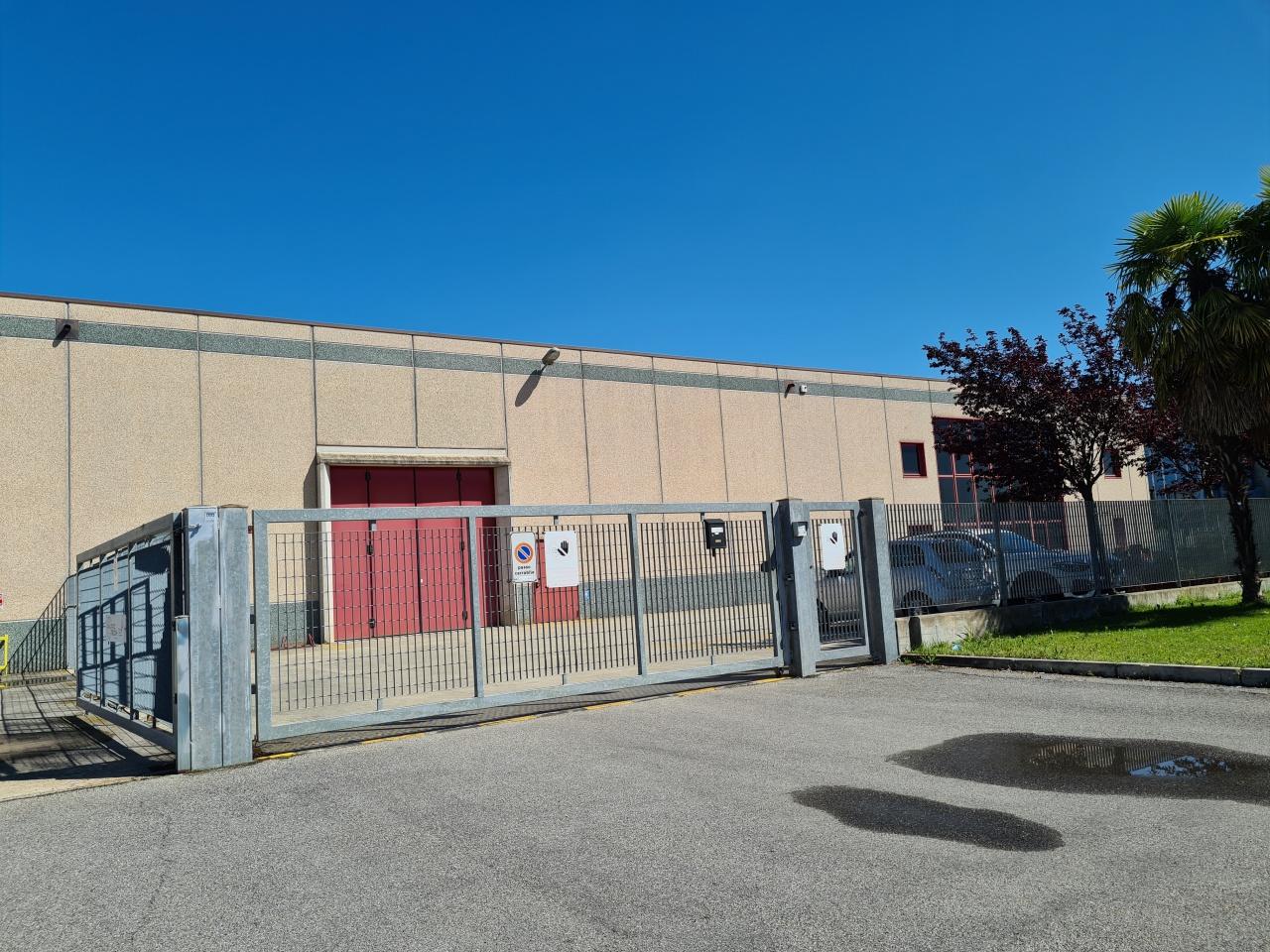 Capannone in vendita a Brignano Gera d'Adda, 1 locali, prezzo € 590.000 | PortaleAgenzieImmobiliari.it