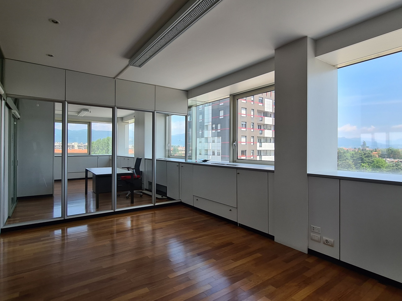 Ufficio / Studio in vendita a Bergamo, 4 locali, prezzo € 320.000 | CambioCasa.it