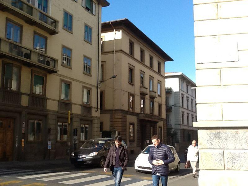 Ufficio / Studio in vendita a Firenze, 17 locali, zona Zona: 12 . Duomo, Oltrarno, prezzo € 590.000 | Cambiocasa.it