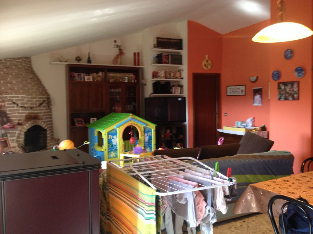 Soluzione Indipendente in affitto a Cava Manara, 4 locali, prezzo € 750 | Cambio Casa.it
