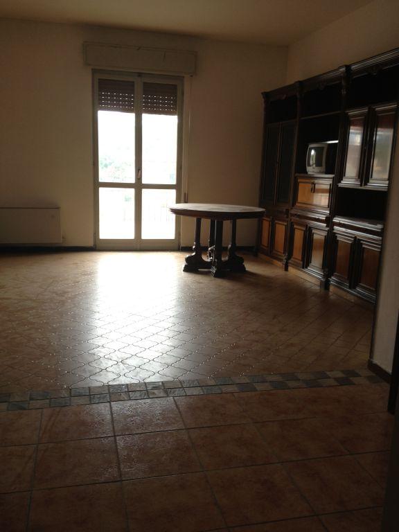 Appartamento in affitto a Carbonara al Ticino, 3 locali, prezzo € 400 | Cambio Casa.it