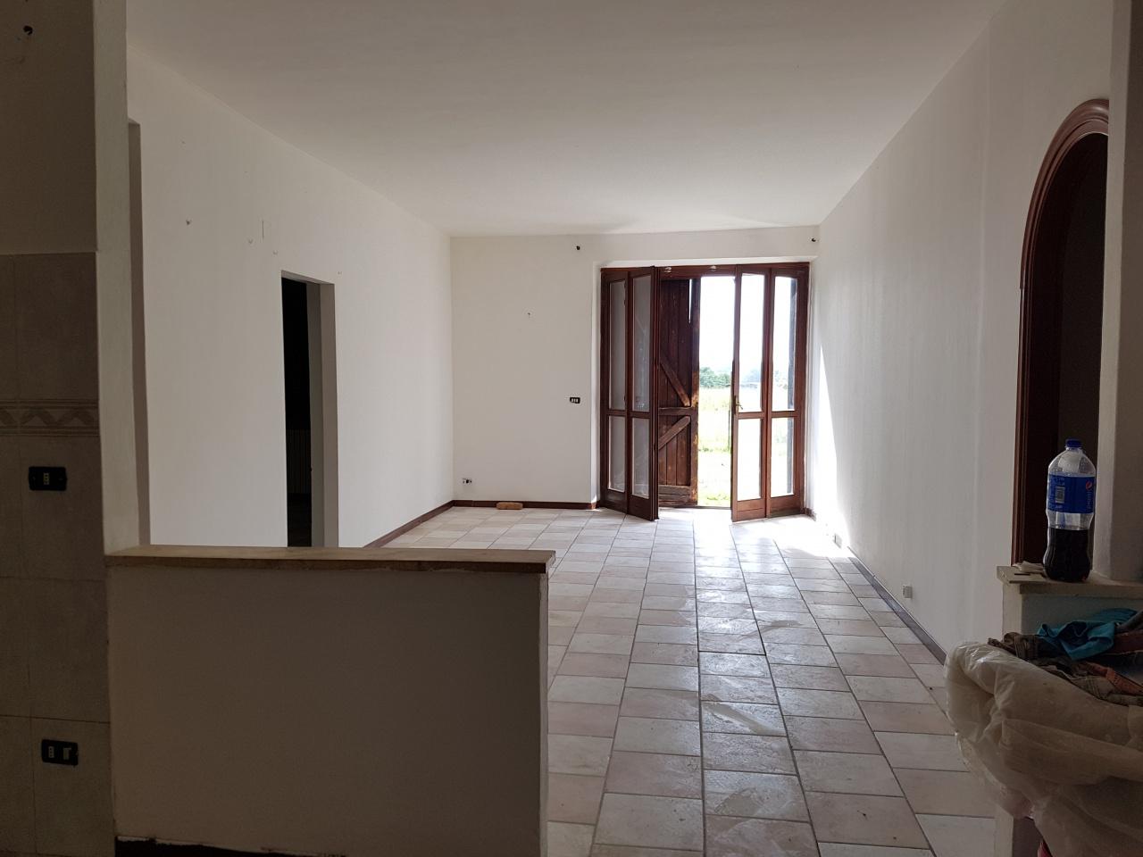 Appartamento da ristrutturare in affitto Rif. 8615579