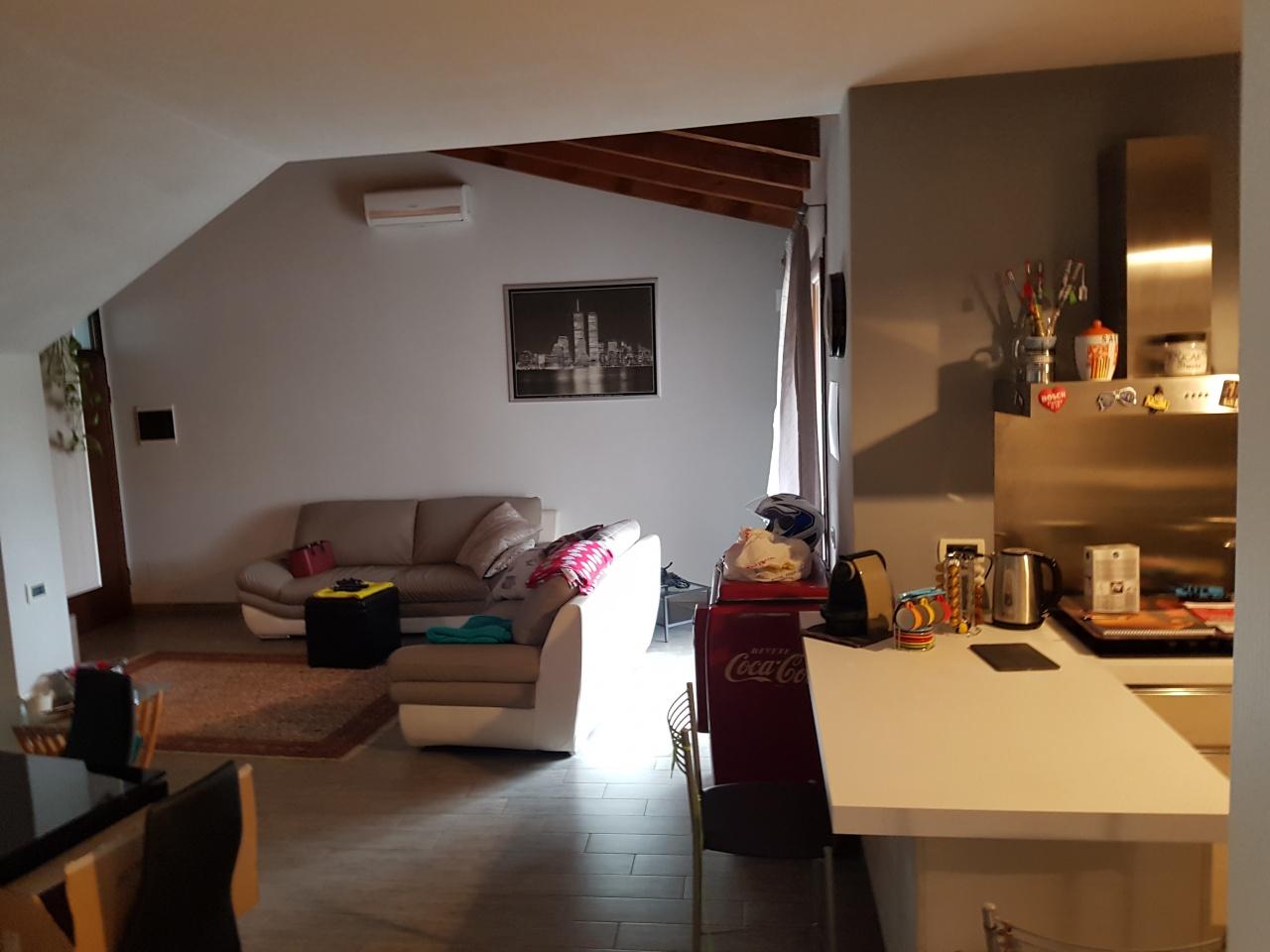 Appartamento in vendita a San Martino Siccomario, 3 locali, prezzo € 178.000 | CambioCasa.it