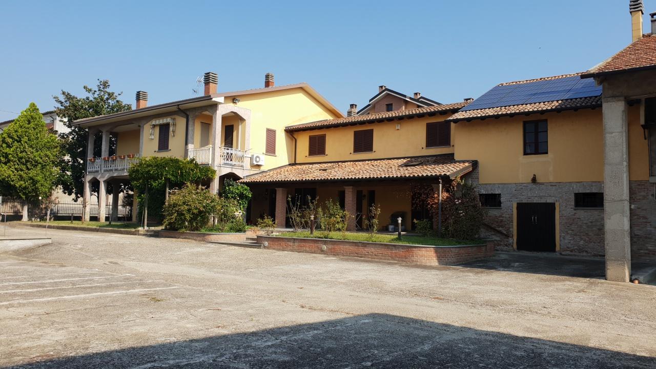 Villa in vendita a Bressana Bottarone, 9999 locali, prezzo € 350.000 | CambioCasa.it