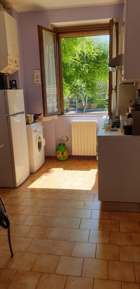 Appartamento da ristrutturare arredato in affitto Rif. 10444226