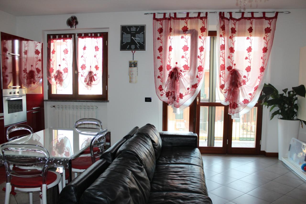 Appartamento in vendita a Travacò Siccomario, 3 locali, prezzo € 125.000 | CambioCasa.it