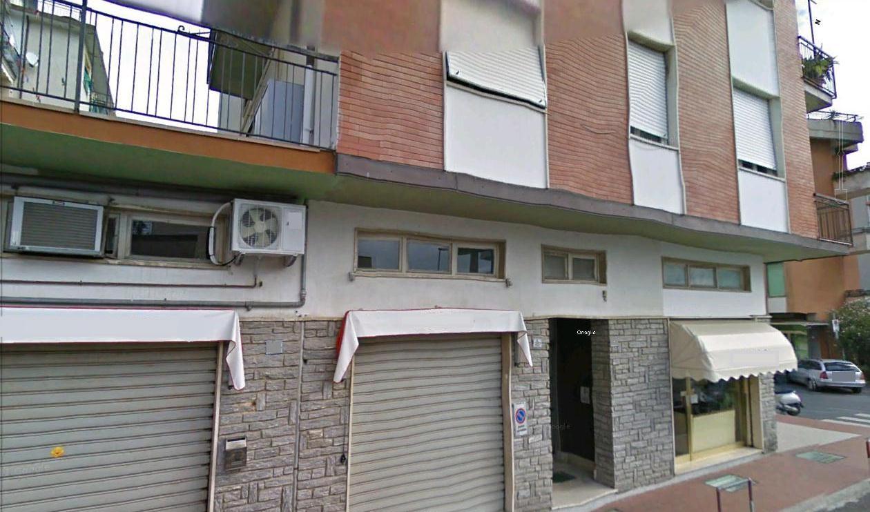 Magazzino in vendita a Imperia, 2 locali, prezzo € 210.000 | CambioCasa.it