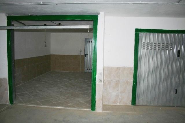 Box auto in vendita a imperia 25000 euro 1 locale 10 mq for Costo aggiuntivo garage