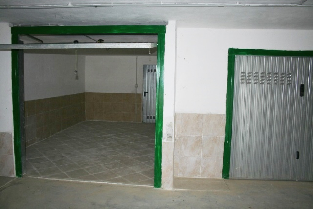 Agenzia immobiliare immobiliare optima imperia for Costo per costruire un appartamento garage per 2 auto