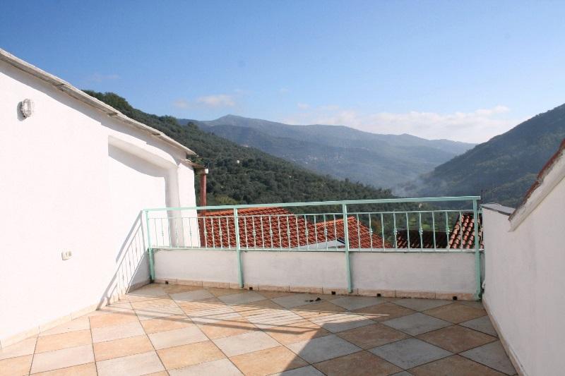 Soluzione Indipendente in vendita a Borgomaro, 7 locali, prezzo € 140.000 | PortaleAgenzieImmobiliari.it