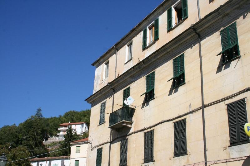 Appartamento in vendita a Borgomaro, 4 locali, prezzo € 60.000 | CambioCasa.it