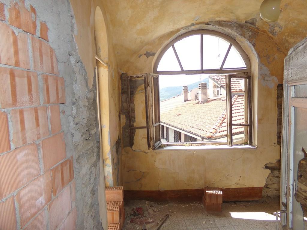 Appartamento in vendita a Chiusanico, 5 locali, prezzo € 90.000   PortaleAgenzieImmobiliari.it