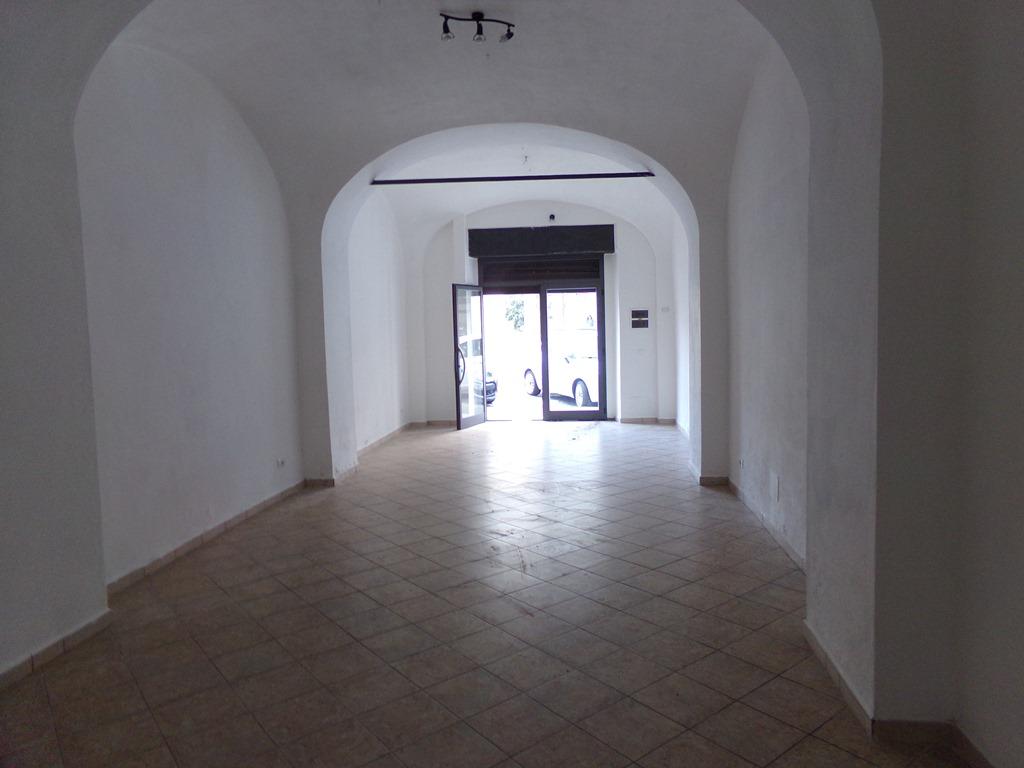 Negozio / Locale in affitto a Imperia, 1 locali, prezzo € 700 | PortaleAgenzieImmobiliari.it
