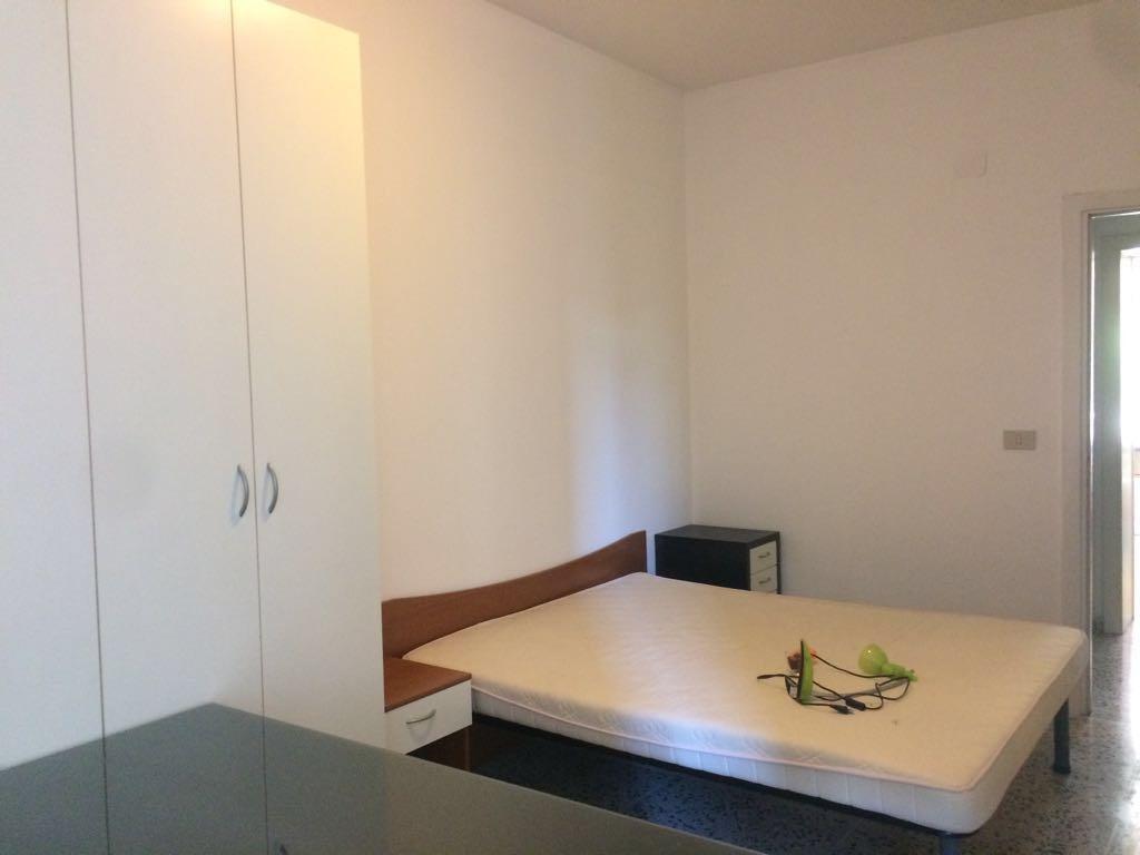 Stanza / posto letto in buone condizioni arredato in affitto Rif. 4759730