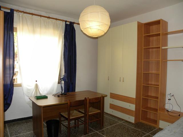 Stanza / posto letto in ottime condizioni arredato in affitto Rif. 9869861