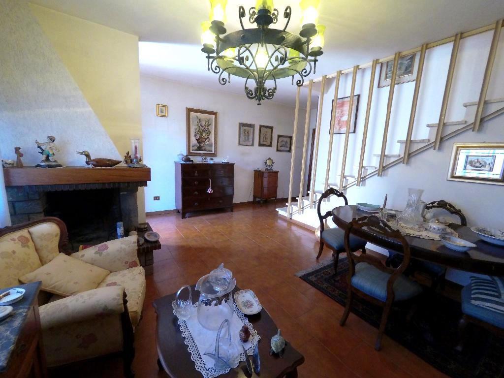 Villetta a schiera in buone condizioni in vendita Rif. 7024604