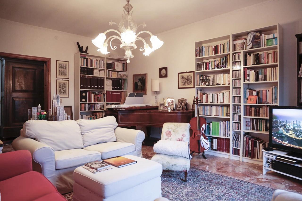 Appartamento in buone condizioni in affitto Rif. 8811284