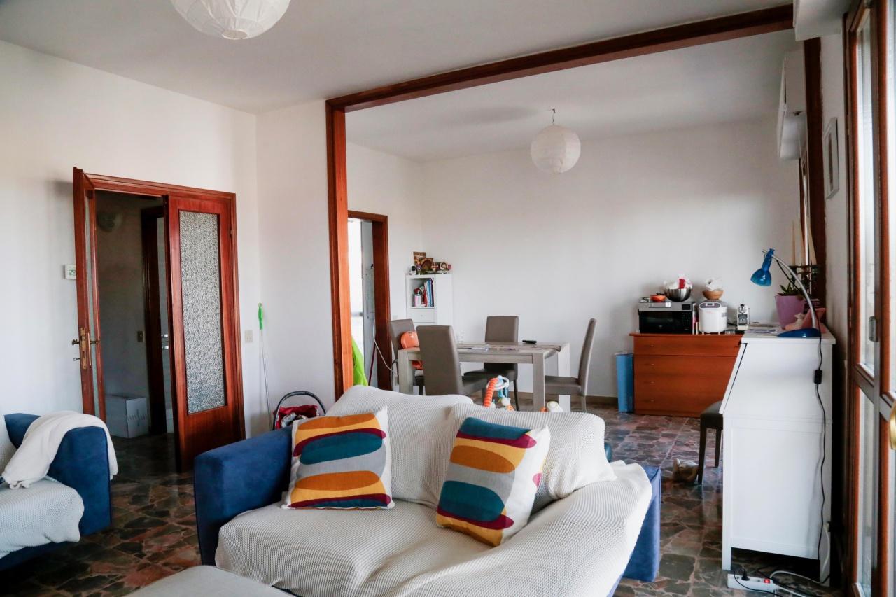 Appartamento in buone condizioni in vendita Rif. 11280617