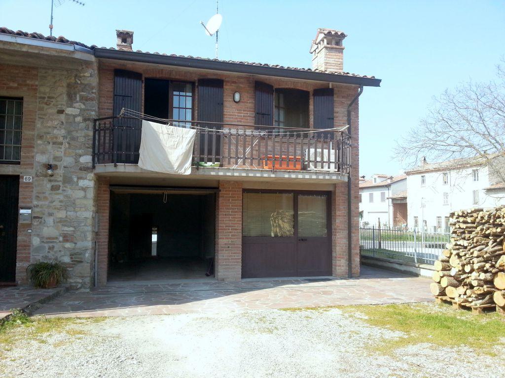 Appartamento in affitto a Vigolzone, 2 locali, zona Località: VILLO', prezzo € 400 | Cambio Casa.it