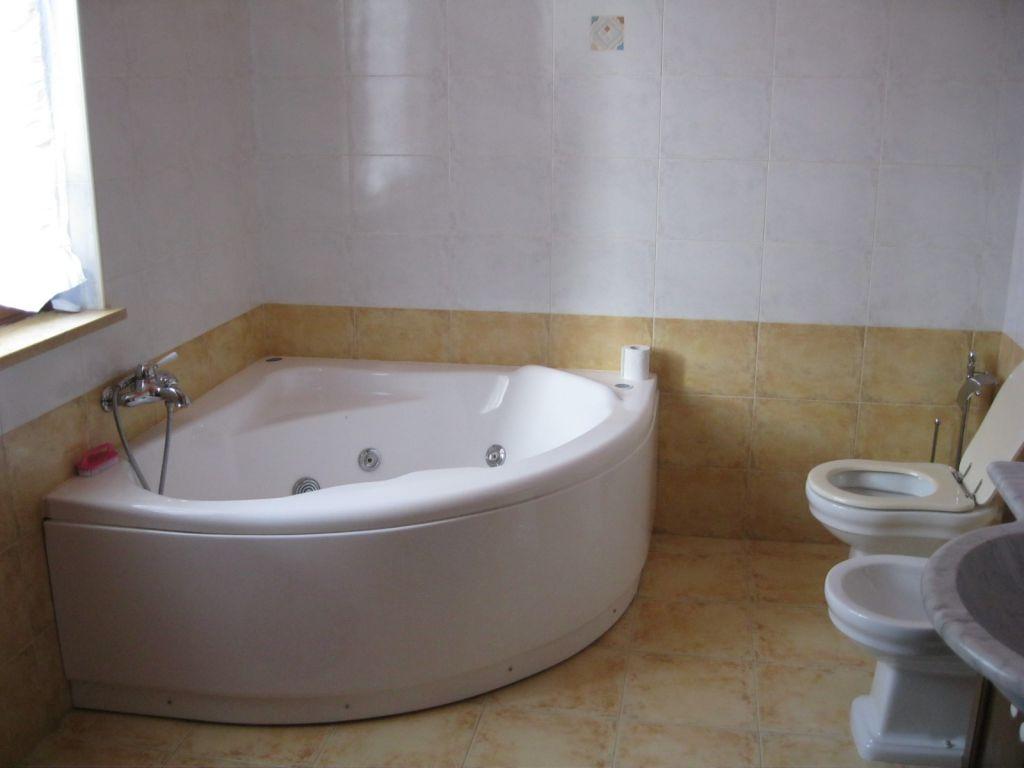 Appartamento in vendita a Vigolzone, 4 locali, zona Zona: Albarola, prezzo € 120.000 | Cambio Casa.it