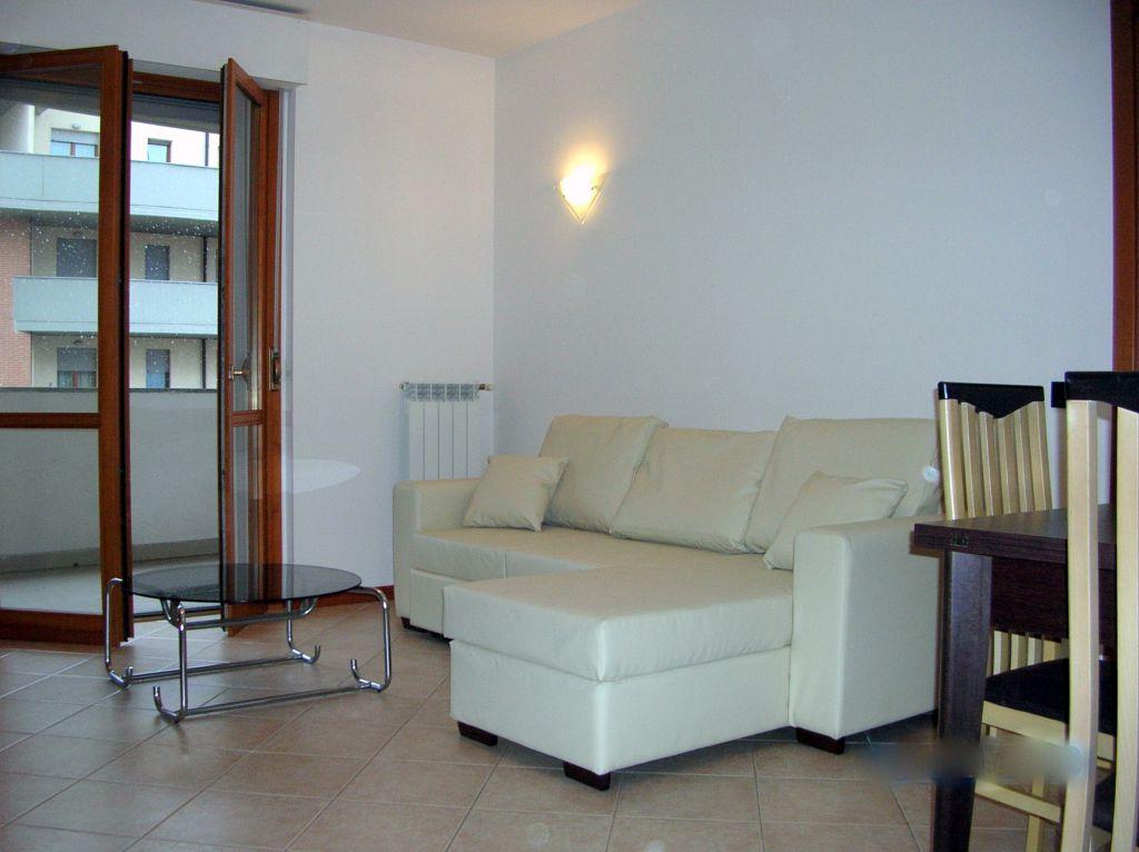 Appartamento in affitto a Piacenza, 2 locali, zona Località: ZONA STADIO, prezzo € 550   Cambio Casa.it