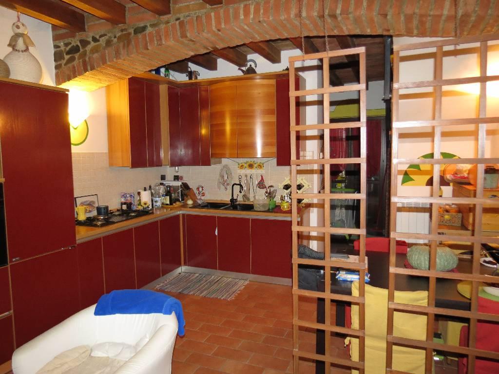 Villa in vendita a Piacenza, 3 locali, zona Località: MUCINASSO, prezzo € 200.000 | Cambio Casa.it