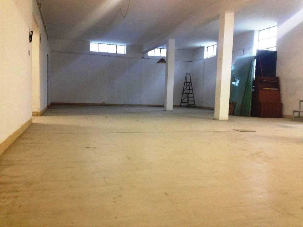 Laboratorio in vendita a Rottofreno, 4 locali, zona Località: GENERICA, prezzo € 79.000 | Cambio Casa.it