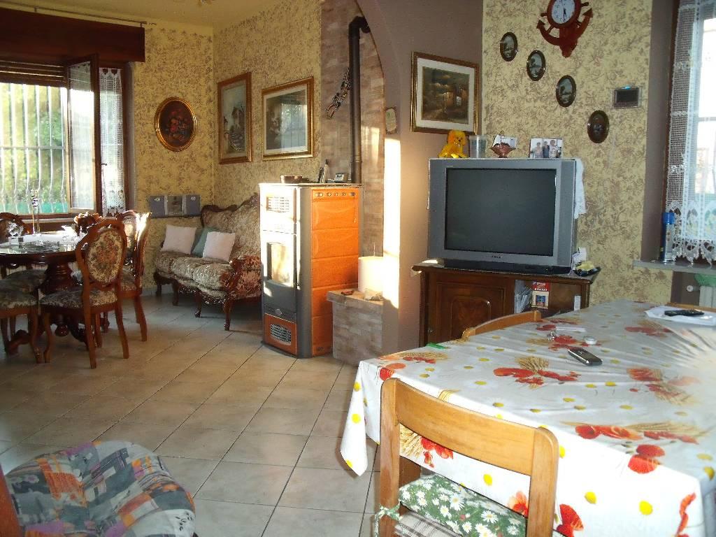 Soluzione Indipendente in vendita a Rottofreno, 3 locali, zona Località: GENERICA, prezzo € 195.000 | Cambio Casa.it