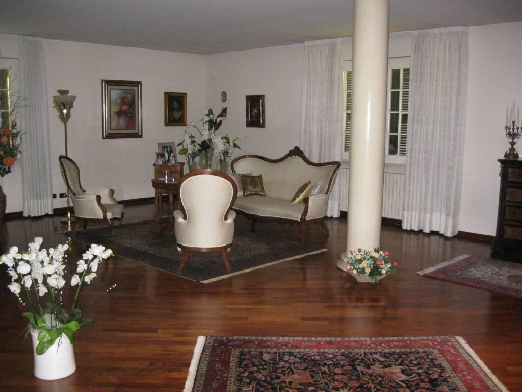 Villa unifamiliare in vendita - 550 mq
