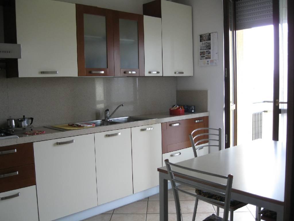 Appartamento in vendita a San Giorgio Piacentino, 3 locali, zona Località: SAN GIORGIO, prezzo € 145.000 | Cambio Casa.it
