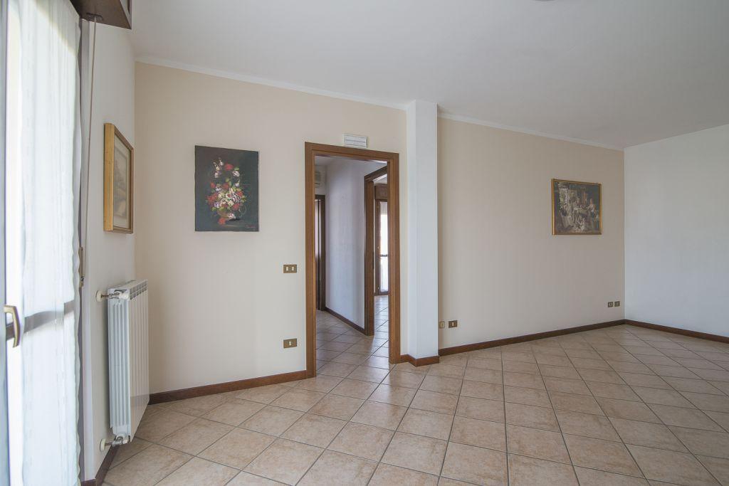 Appartamento in vendita a San Giorgio Piacentino, 3 locali, zona Località: SAN GIORGIO, prezzo € 142.000   Cambio Casa.it