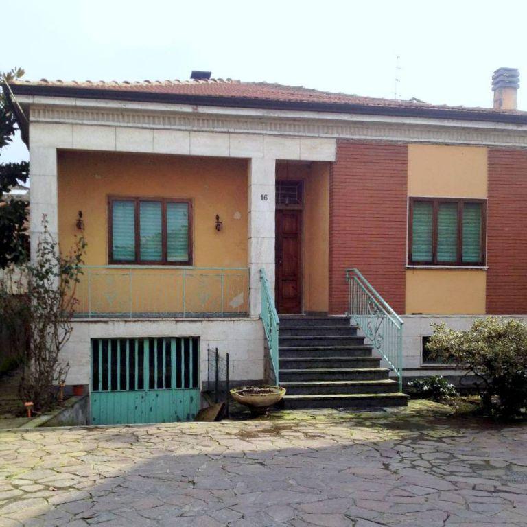 Villa in vendita a Piacenza, 4 locali, zona Località: INFRANGIBILE, prezzo € 230.000 | Cambio Casa.it