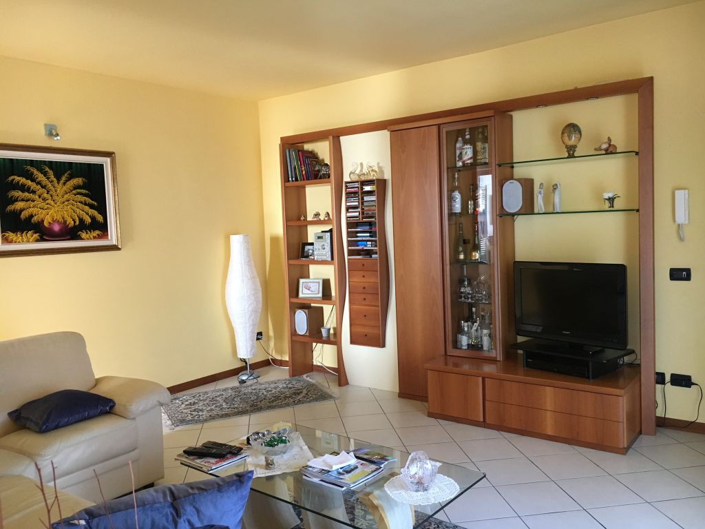 Appartamento in vendita a Rottofreno, 4 locali, zona Località: SAN NICOLO', prezzo € 180.000 | Cambio Casa.it