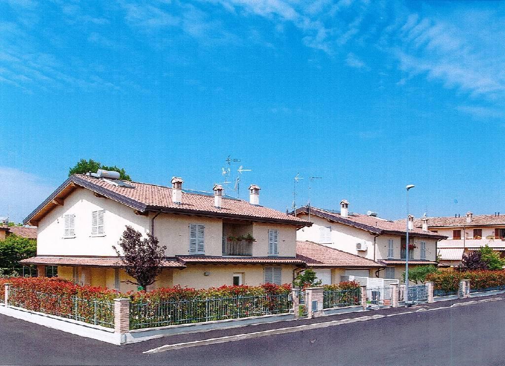 Villa in vendita a Pontenure, 3 locali, zona Località: PONTENURE, prezzo € 290.000 | Cambio Casa.it