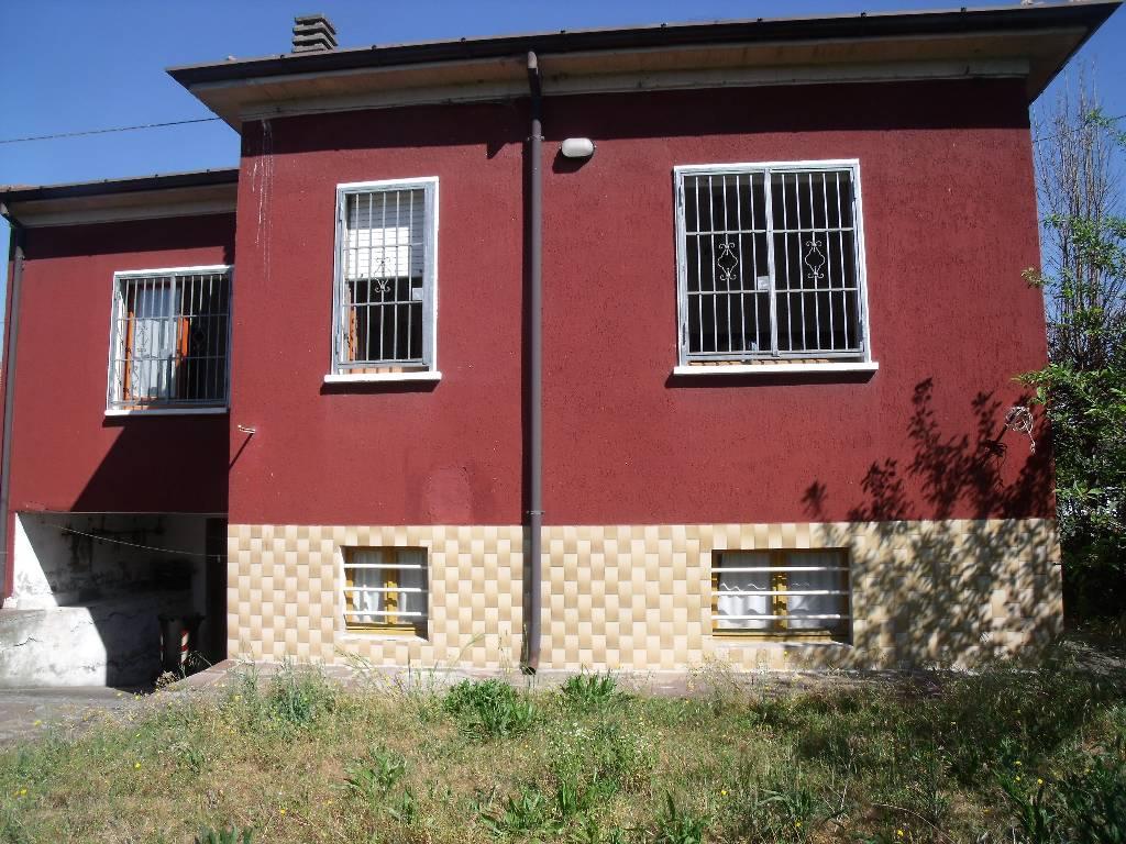 Soluzione Indipendente in vendita a Rottofreno, 3 locali, zona Località: SAN NICOLO', prezzo € 190.000 | Cambio Casa.it