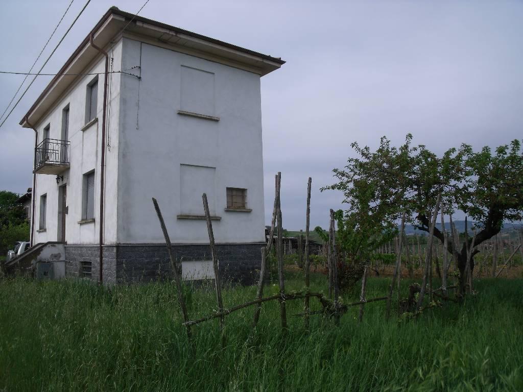 Soluzione Indipendente in vendita a Agazzano, 3 locali, zona Zona: Tavernago, prezzo € 160.000 | Cambio Casa.it