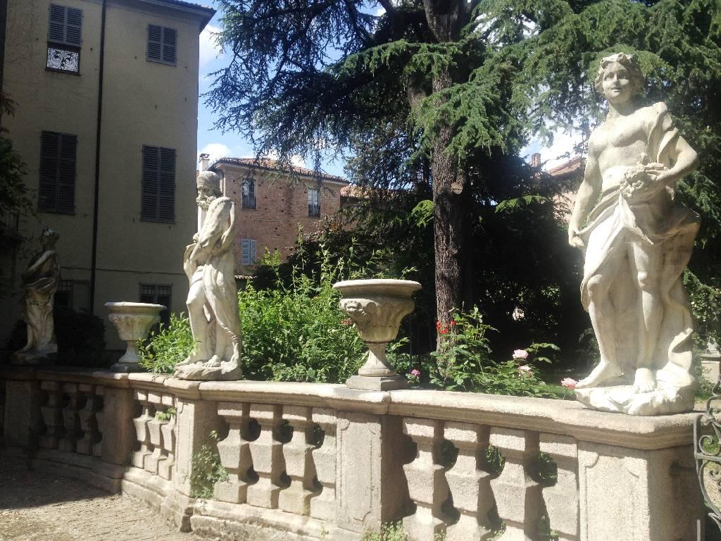 Appartamento in vendita a Piacenza, 4 locali, zona Località: CENTRO STORICO, prezzo € 300.000   Cambio Casa.it