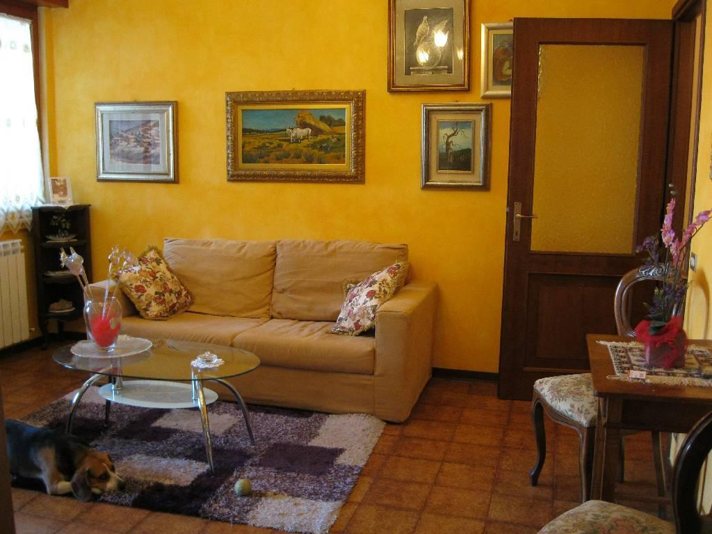 Appartamento in vendita a Pontenure, 3 locali, zona Località: PONTENURE, prezzo € 123.000 | Cambio Casa.it