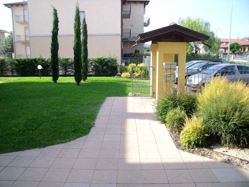 Appartamento in affitto a Rottofreno, 4 locali, zona Località: SAN NICOLO', prezzo € 650 | Cambio Casa.it