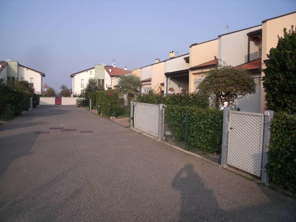 Villa in vendita a Rivergaro, 4 locali, zona Località: RIVERGARO, prezzo € 220.000 | Cambio Casa.it