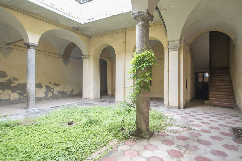 Palazzo / Stabile in vendita a Piacenza, 25 locali, zona Località: CENTRO STORICO, prezzo € 465.000 | Cambio Casa.it