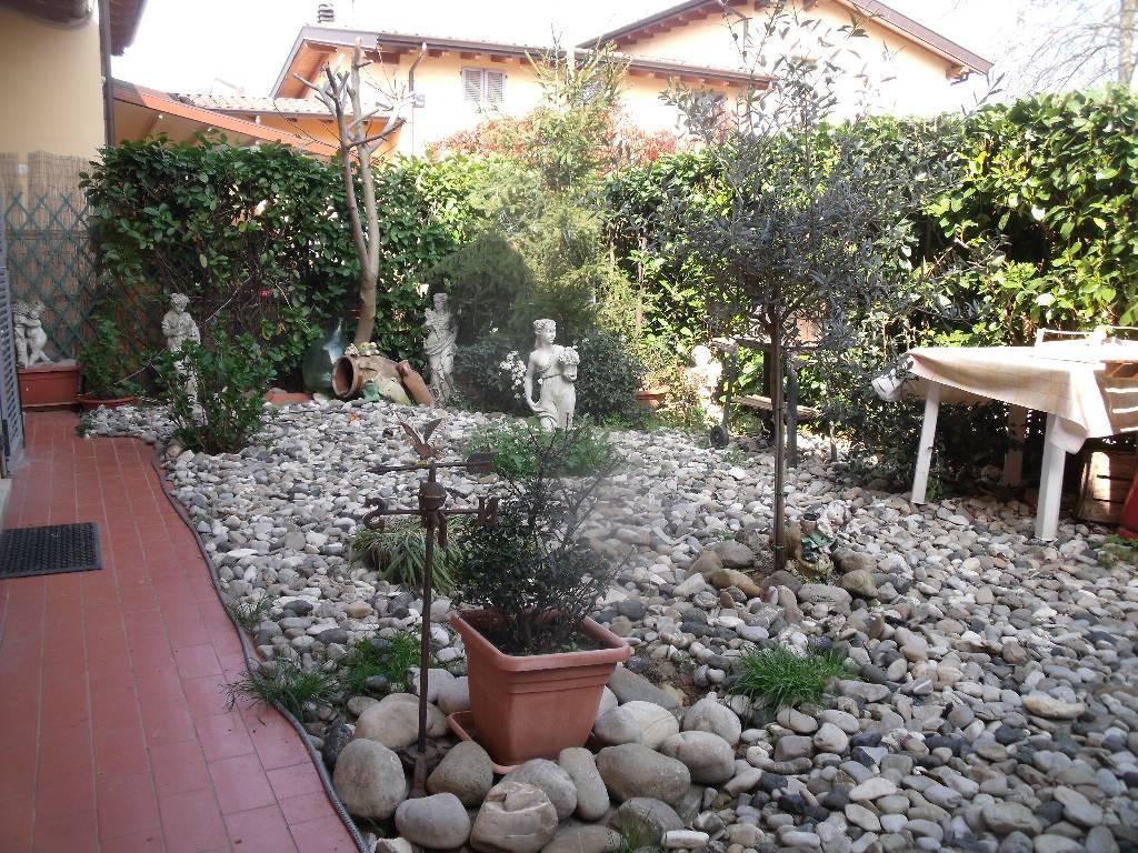 Villa in vendita a Gragnano Trebbiense, 4 locali, zona Località: GRAGNANO, prezzo € 195.000 | Cambio Casa.it