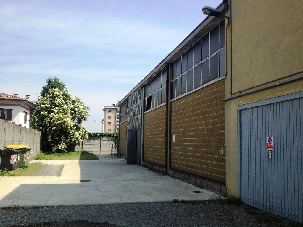 Capannone in affitto a Piacenza, 3 locali, zona Località: S. ANTONIO, prezzo € 1.250   Cambio Casa.it